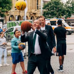 Boris Pistorius und Adis Ahmetovic