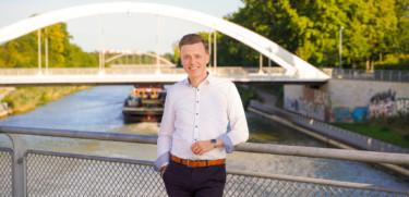 Adis Ahmetovic auf der Noltemeyerbrücke